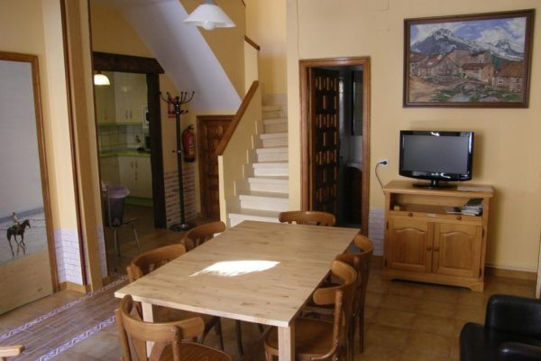 3-casa-rural-baco-salon